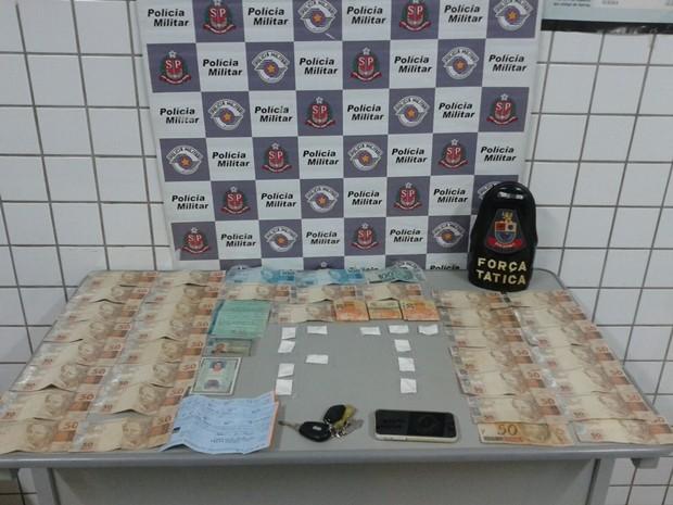 Serviço de 'disk droga' era feito por casal em Tatuí (Foto: Divulgação/Polícia Militar de Tatuí)