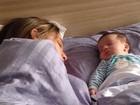Marido de Fernanda Gentil posta foto da mulher e do filho dormindo