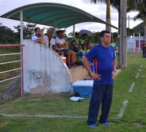 Gilmar Salles, técnico do Atlético-AC (Foto: Rogério Augusto/Mantena On Line)