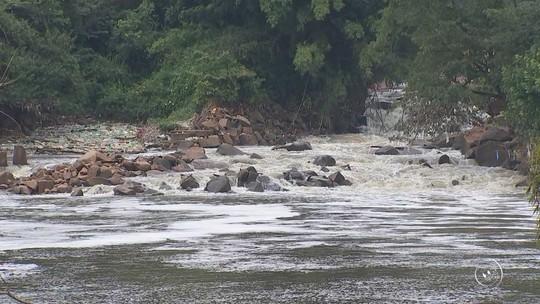 Laudo de universidade constata que espuma do rio Tietê em Salto é tóxica