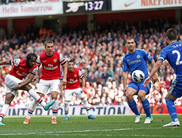 Gervinho Arsenal x Chelsea (Foto: Reuters)