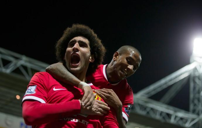 Fellaini e Ashley Young, gol Manchester United (Foto: AP)