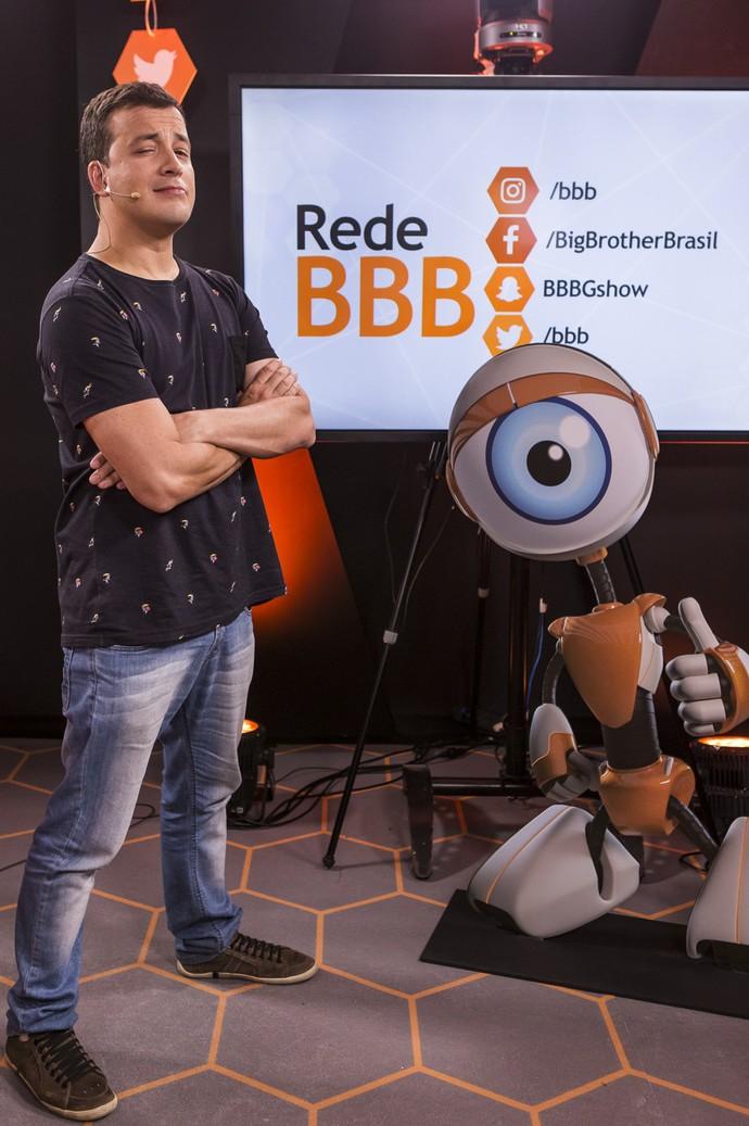Rafael Cortez comanda o Mesa-redonda BBB (Foto: Artur Meninea / Gshow)