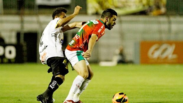 Bruno Henrique e Sueliton jogo Portuguesa e Criciúma (Foto: Léo Pinheiro / Futura Press)