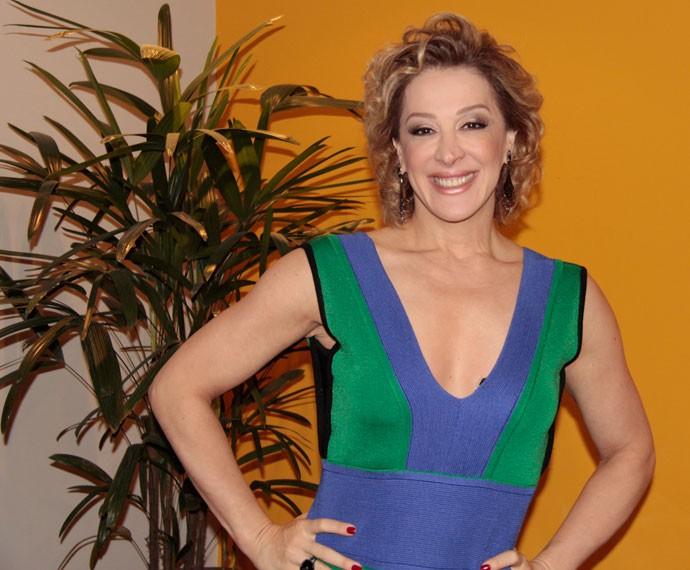 Claudia Raia conversa com o Gshow nos bastidores do Altas Horas (Foto: Marcos Mazini/Gshow)
