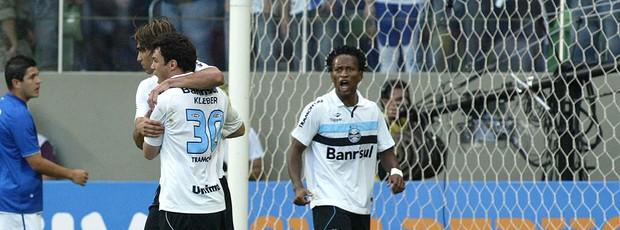 Marcelo Moreno e Kleber, Cruzeiro x Grêmio (Foto: Paulo Fonseca / Agência Estado)