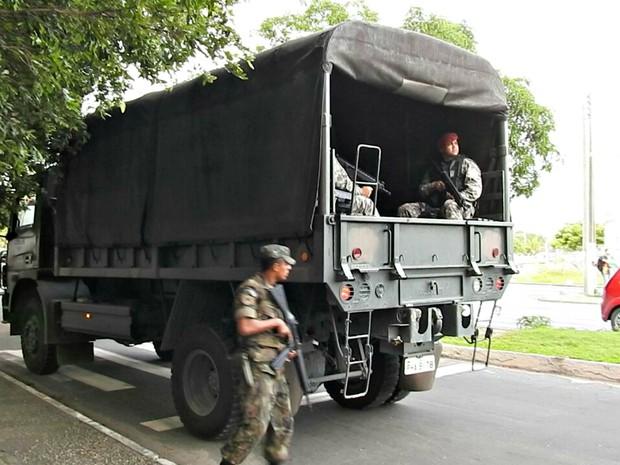 Força Nacional chega a Manaus para reforçar segurança nos presídios (Foto: Adneison Severiano/G1 AM)