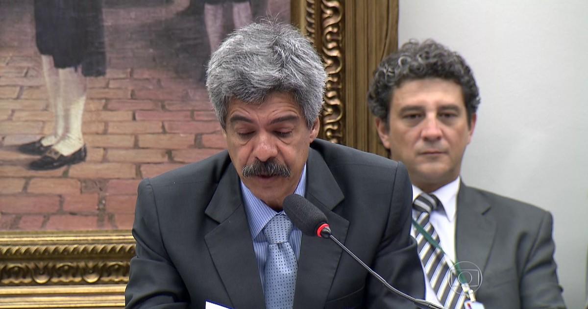 CPI da Petrobras aprova relatório que isenta políticos investigados