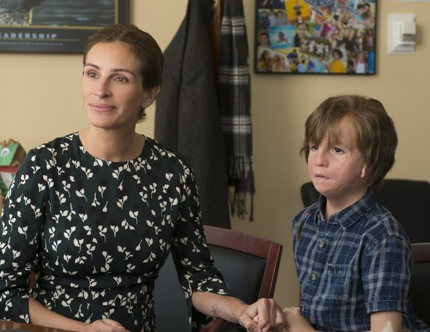 Isabel, interpretada por Julia Roberts e Auggie (Jacob Tremblay) (Foto: Divulgação)