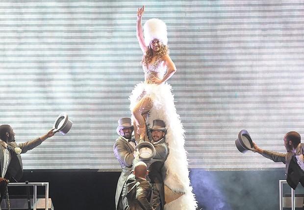 Jennifer Lopez na abertura de seu show (Foto: Francisco Cepeda, Milene Cardoso e Amauri Nehn / AgNews)