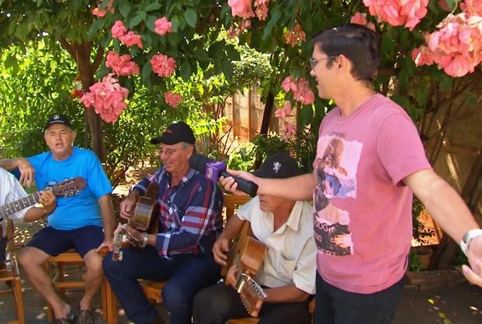 Marcão ainda pediu um som ao fim da gravação (Foto: Reprodução / TV TEM)