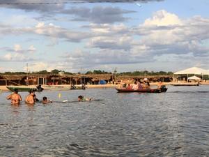Praia da Raposa, em Tupiratins, é uma das poucas que possuem areia branca no Tocantins (Foto: Emerson Silva/Adtur)