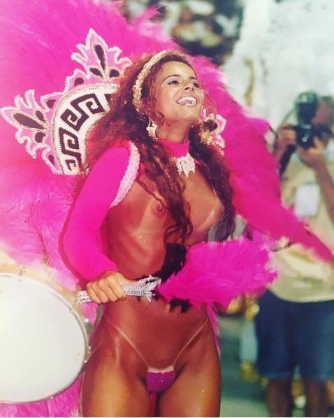 Viviane Araújo relembra seu começo no carnaval (Foto: reprodução/Instagram)