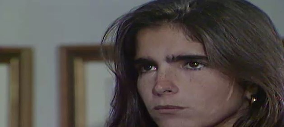 Claudia diz a Marta que está grávida
