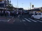 Manifestação deixa trânsito lento na Avenida Suburbana, em Salvador