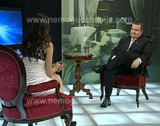 Ivica Dacic foi alvo de brincadeira durante programa humorístico (Foto: Reprodução)