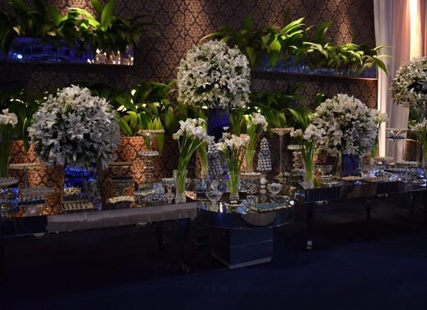 Detalhes da decoração do casamento de Péricles e Lidiane (Foto: Felipe Souto Maior/AgNews)