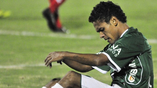 Fabinho lamenta empate do Guarani com o Boa Esporte (Foto: Rodrigo Villalba / Memory Press)