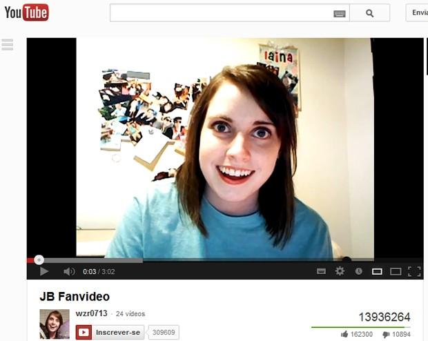 Laina, em seu vídeo do YouTube (Foto: Reprodução)