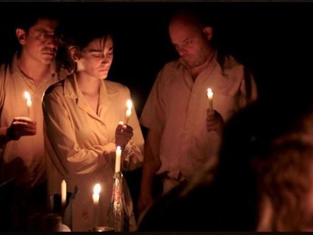 """Espetáculo """"Das Águas"""" reflete sobre as enchentes no estado (Foto: Cia Carona de Teatro/Divulgação)"""