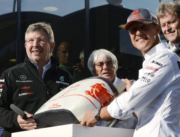 Ross Brawn confirmou que futuro de Michael Schumacher na Mercedes ainda está em negociação (Foto: Reuters)
