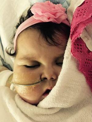 Sofia se recupera da cirurgia nos EUA (Foto: Campanha Ajude a Sofia/Divulgação)
