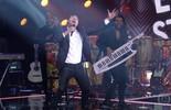 Eduardo Sterblitch arrasa no palco do 'PopStar' interpretando a música 'Eva'