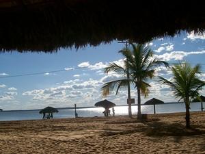"""""""O pôr do Sol na Praia das Arnos é lindo e emociona todas as pessoas que vivenciarem momentos especiais como esse que aproveitei, numa tarde de sábado com minha família. Palmas é uma cidade linda, precisa ser melhor higienizada"""" (Foto: Maria do Carmo Ribeiro dos Santos/VC no G1)"""