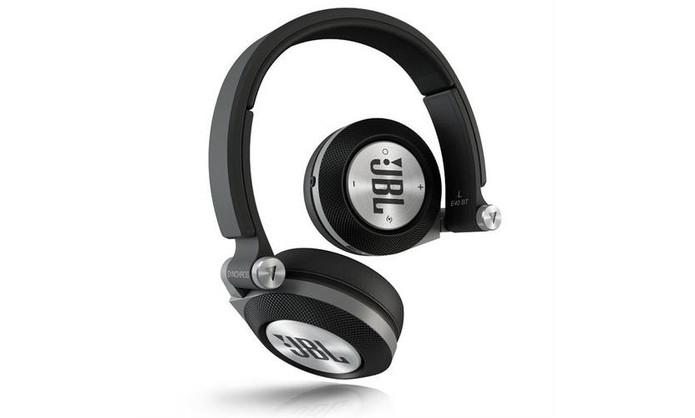 f7acb061c Fone de ouvido JBL Synchros E40bt tem tecnologia sem fio e haste ergonômica  dobrável (Foto