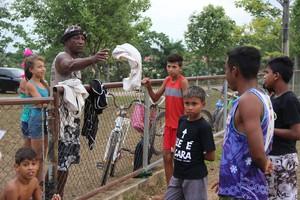 Escolinha do Paulão, em Rio Branco, tem cerca de 180 alunos (Foto: João Paulo Maia)