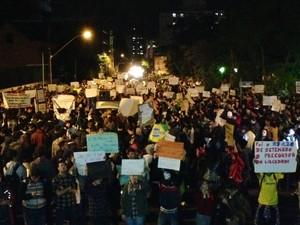 Manifestação contra aumento de passagem em Novo Hamburgo, RS (Foto: Alexandre dos Santos)