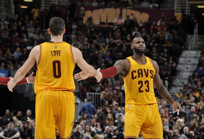 Kevin Love e LeBron James Cleveland Dallas NBA (Foto: Getty Images)