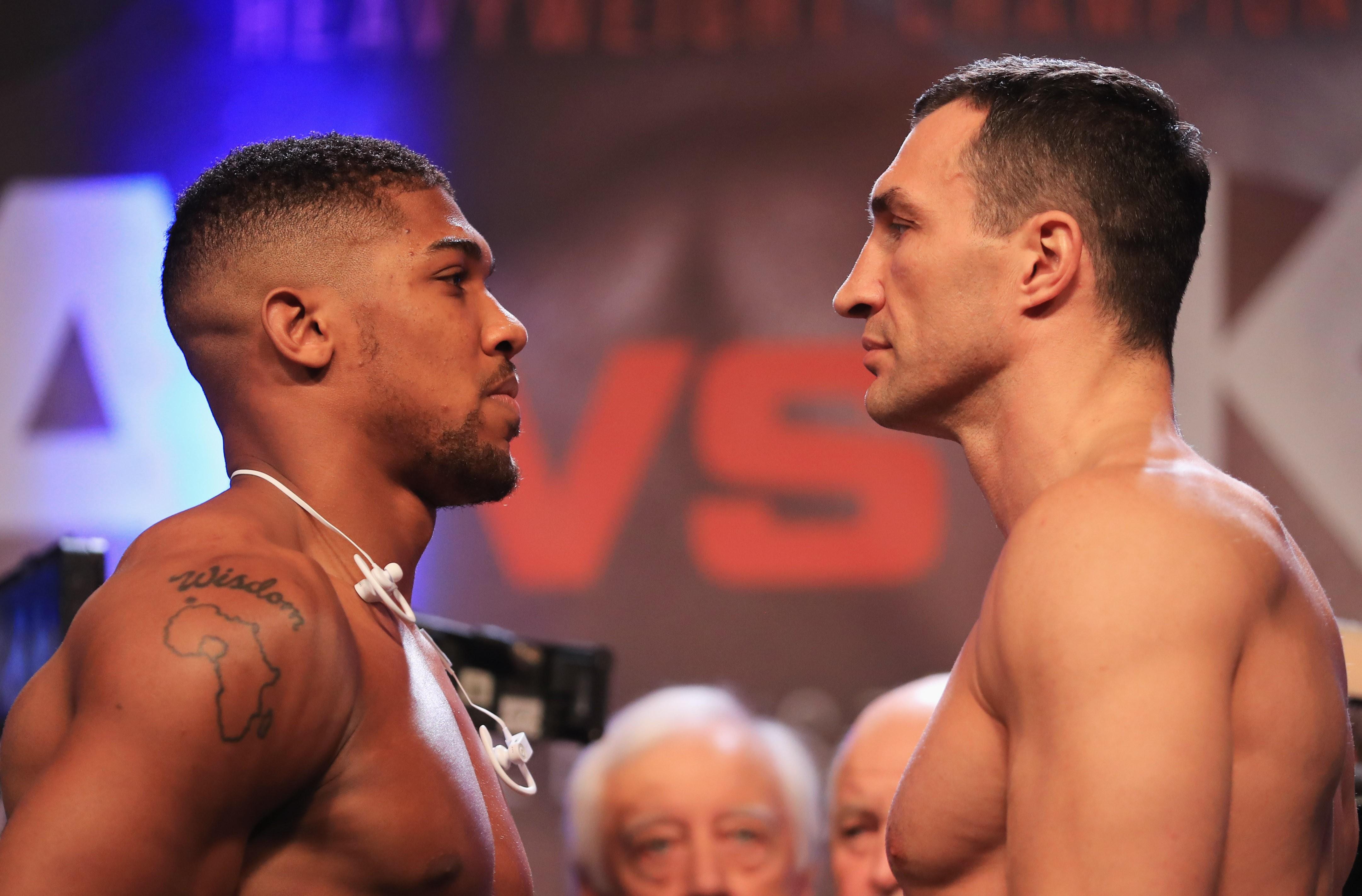Anthony Joshua e Wladimir Klitschko se encaram antes da luta imperdível (Foto: Getty Images / Richard Heathcote)