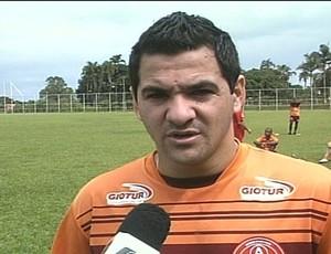 Diogo Galvão, atacante da Anapolina (Foto: Reprodução/TV Anhanguera)