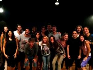 A atriz e seus alunos de interpretação (Foto: Reprodução/Vídeo Show/TV Globo)