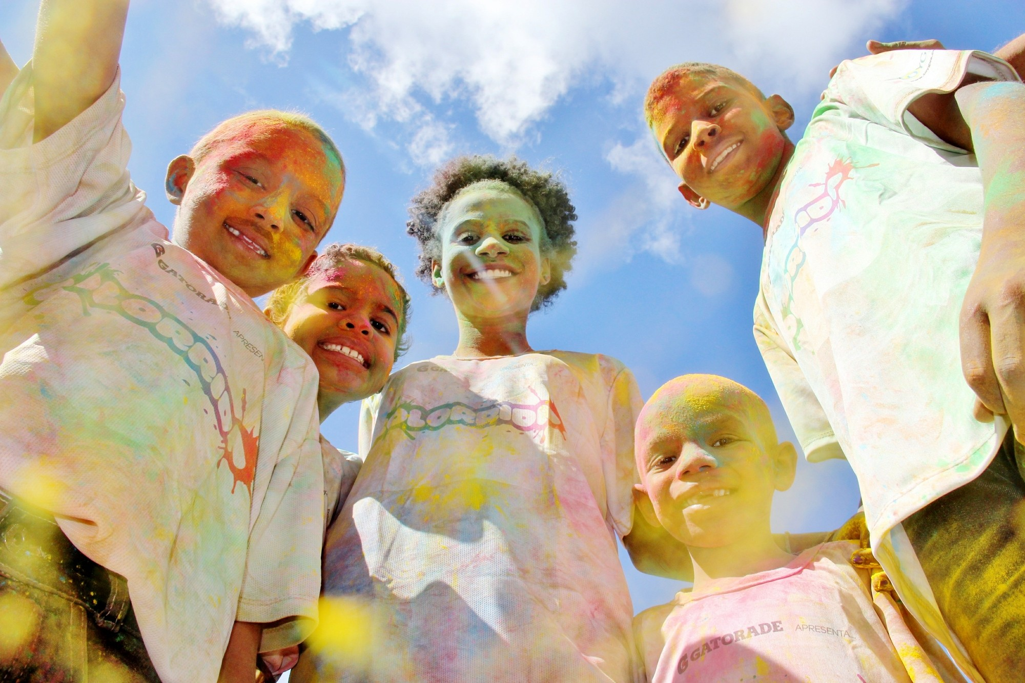 Corrida colorida contra o câncer angaria fundos para o Martagão (Foto: Divulgação/Carla Galrão)