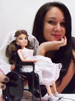 Drika Valério criou vestido de noiva adaptado para projeto e vende modelos para o dia a dia (Foto: Arquivo Pessoal)
