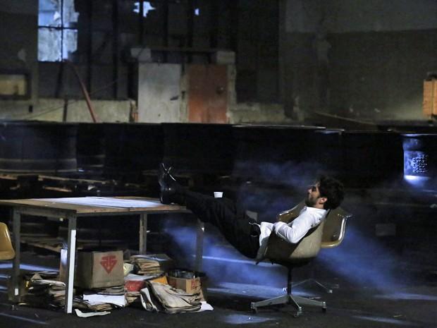Caio Blat se concentra para gravar cenas tensas na pele de José Pedro (Foto: Ellen Soares/ Gshow)