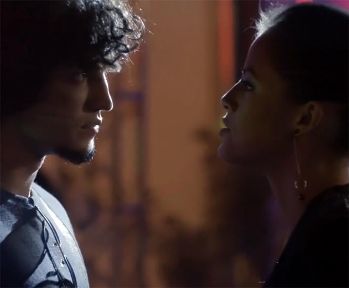Giovanna anuncia quando dará flagra em Angel e Alex (Foto: TV Globo)