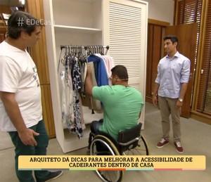 Armário de roupas acessível a cadeirantes (Foto: TV Globo)