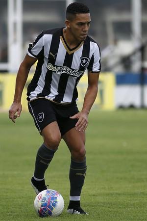 Gilberto, Cabofriense x Botafogo (Foto: Vitor Silva / SSPress)