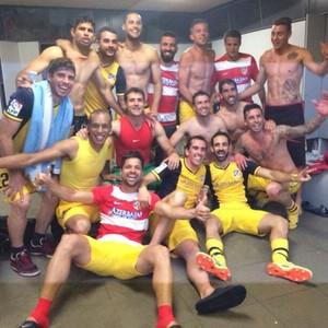 Atlético de Madrid comemora no vestiário (Foto: Reprodução / Instagram)