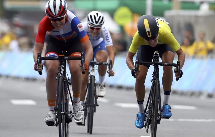 Chegada ciclismo de estrada feminino (Foto: Reuters)