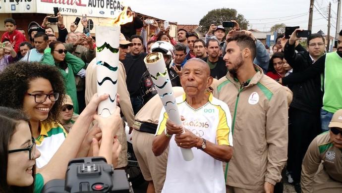 Tour da Tocha Paraguaçu Paulista começo (Foto: Emilio Botta)