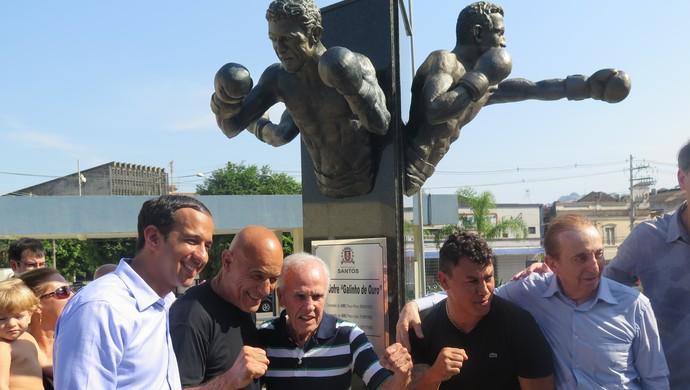 Pugilistas campeões mundiais receberam homenagem em Santos (Foto: Cássio Lyra)