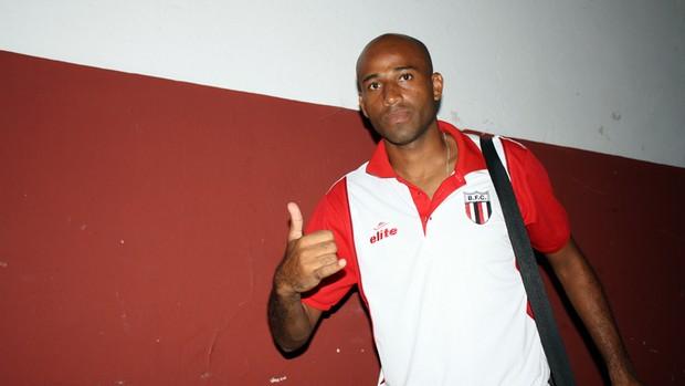 Nunes, autor do segundo gol do Botafogo-SP (Foto: Cleber Akamine)