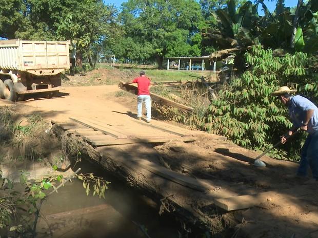 Ponte é recuperada (Foto: Magda Oliveira/G1)