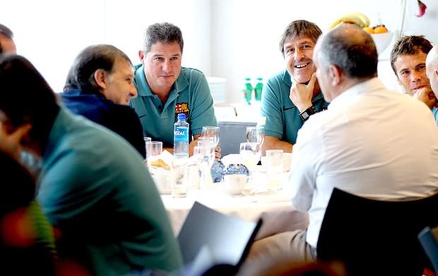 Tata Martino encontro equipe Barcelona (Foto: Miguel Ruiz / Divulgação site oficial do Barcelona)