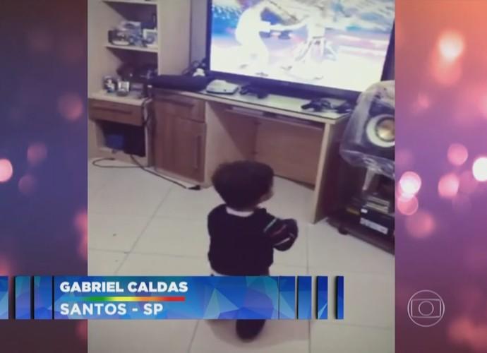 Gabriel Caldas apareceu dançando no Domingão do Faustão (Foto: Reprodução/Globo)