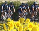 Armstrong participa de ação social e pedala em etapa da Volta da França